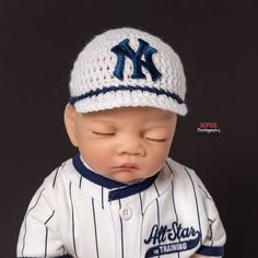 4c9a502284e8a Check out New York Yankess Baseball Hat for newborn baby boy or girl -  preemie sizes