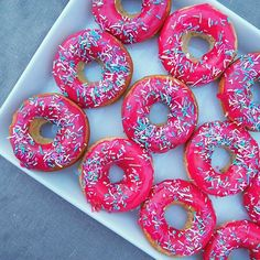 Check out the recipe for these cuties on the blog now!  ⠀  .⠀  .⠀  .⠀  #moreontheblog #linkinbio #uusipostaus #donuts #doughnuts #baking #instabaking #blog #blogger #bloggers #donitsit #leivonta #vappu #vappen #mayday #1stmay #instafood #nomnom #foodstagram #pink