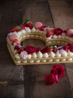 Come fare la cream Tart Alphabet Cake, Cake Lettering, Number Cakes, Recipe Images, Cream Cake, Confectionery, Biscotti, Sweet Recipes, Food And Drink