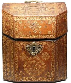 Antique Gilt Tooled Morocco Leather Coffret à Couverts à Couvercle (Covered box with lid)