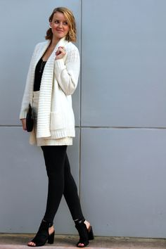 San Antonio fashion blogger, Aquila Mendez-Valdez, styles an ear crawler and a comfy look for fall on Haute in Texas.