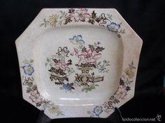 Antiguo plato ochavado del siglo XIX decoración oriental numerado 30 sello lacre