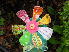 Bendable flower from fabric scraps and pipe cleaners