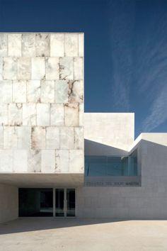 Magén Arquitectos - Martín de Hijar regional headquarters, Hijar 2011