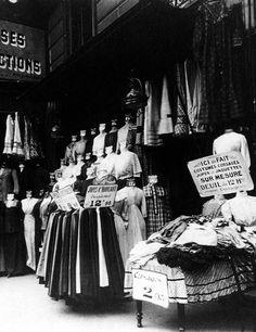 1911. Boutique parisienne par Eugène Atget
