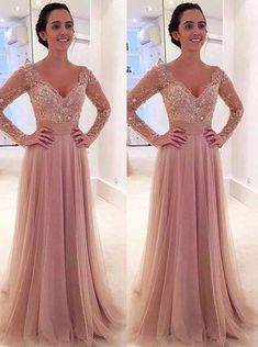 Princess Long Sleeves V-neck Tulle Prom Dress with Detachable Train