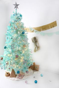 How to Create a Modern Christmas Tree Using Spray Paint | eHow