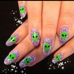 90's alien glitter nails... obsessed.