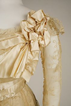 Evening dress Jeanne Hallée  (French, 1880–1914)  Date: 1898–1900 Culture: French Medium: silk, horsehair, bone, metallic. Detail
