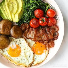 Looking for keto breakfast ideas? I have selected 13 Keto Breakfast Recipes for you. Breakfast Desayunos, Gourmet Breakfast, Breakfast Recipes, English Breakfast Ideas, Recipes Dinner, Dairy Free Recipes, Keto Recipes, Gluten Free, Best Keto Diet