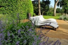 ~ Garden design ~ Let me entertain you - inspiration to create the perfect outdoor entertaining space: http://newlifemagazines.tumblr.com/post/101250846965/let-me-entertain-you #locallife #gardening #design #summer #entertain #Haslemere #Surrey