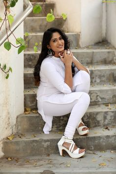 K**** lai ho? G jan. Beautiful Girl Photo, Beautiful Girl Indian, Most Beautiful Indian Actress, Beauty Full Girl, Beauty Women, Desi Girl Image, Indian Girls Images, Girls In Leggings, Shiny Leggings