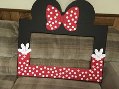 New Baby Shower Photo Booth Ideas Frames Mice Ideas Mickey Mouse Baby Shower, Red Minnie Mouse, Mini Mouse, Minnie Mouse Birthday Decorations, Mickey Mouse Birthday, Party Photo Frame, Baby Shower Photo Booth, Disney Scrapbook, Mouse Parties