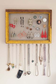 Vintage Clothing Blog | Vintage Wedding Dresses | Salvage Life: Salvaged Vintage Jewelry and Purse Display