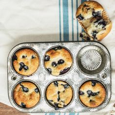 I Quit Sugar - Triple Coconut & Blueberry Muffins// replace rice malt with maple syrup Sugar Free Treats, Sugar Free Recipes, Sweet Recipes, Real Food Recipes, Yummy Food, Healthy Sweet Treats, Healthy Sweets, Healthy Baking, Healthy Muffins
