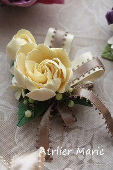コサージュ~ロマンチックに♡|Atelier Marie ~京都DECOクレイクラフト教室~ Atelier Marie, Crafts To Make, Diy Crafts, Brooch Corsage, Polymer Clay Flowers, Flower Crafts, Silk Flowers, Jewelry Crafts, Wedding Bouquets
