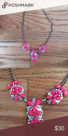 J. Crew coral statement necklace If you are looking for a pop of color, then this necklace is for you! This beautiful statement piece is in great condition. J. Crew Jewelry Necklaces
