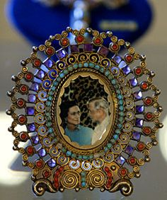 Wallis Simpson jeweled frame