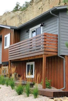 Balcony Door is entirely important for your home. Whether you pick the Exterior Balcony Railing or Deck Furniture On Sale, you will make the best Balcony Hotels London for your own life. Horizontal Deck Railing, Wood Deck Railing, Balcony Railing Design, Patio Design, Deck Railing Ideas Diy, Metal Railings, Porch Ideas, Balcony Privacy, Balcony Doors