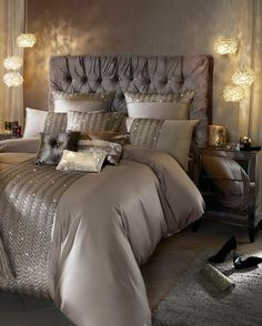 90 Gorgeous Romantic Master Bedroom Design That Will You Dreaming on Home Inteior Ideas 3806 Beautiful Bedrooms, Bedroom Makeover, Home Bedroom, Glam Bedroom, Dream Bedroom, Luxurious Bedrooms, Champagne Bedroom, Master Bedrooms Decor, Dream Rooms
