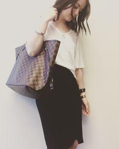 Aritzia Wilfred free libre shirt white, Wilfred free Tyra skirt black, Louis Vuitton neverfull gm damier ebene