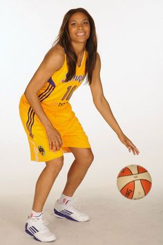 competitive price 16a4a b99ae Lindsey Harding wearing adidas adizero Crazy Light 2 Low Liebe Und  Basketball, Candace Parker,