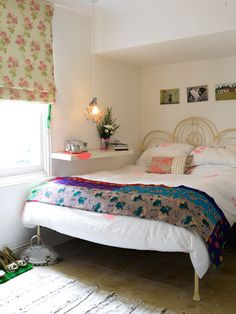 44 Beautiful Bedroom Decorating Ideas ~~~ NO ROOM FOR A BEDSIDE CABINET TRY A SHELF