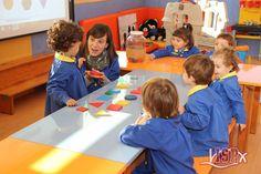 El grupo de P2 #BabygardenISP realiza en clase actividades de identificación y clasificación de colores y formas. ¡Lo hacen en inglés! #plurilingüismoISP #InglésISP www.colegiosisp.com