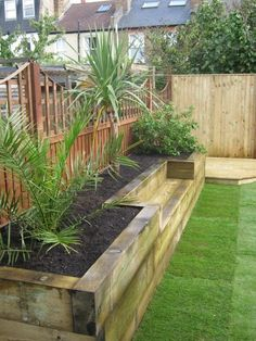 Big Garden Design Bench raised bed made of railway sleepers. This would be great for a small veggie garden.Big Garden Design Bench raised bed made of railway sleepers. This would be great for a small veggie garden.