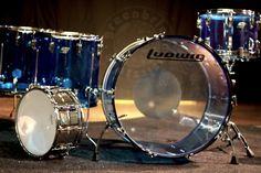 Ludwig Vistalites Blue 1976 Ludwig Drums, Drum Music, Vintage Drums, Metal Drum, Snare Drum, Drum Kits, Music Instruments, Drummers, Guitars