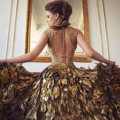 Royalty — queen aesthetic — fantasy gold gown - Royalty — queen aesthetic — fantasy gold gown Source by prismatiger - Pretty Outfits, Pretty Dresses, Prom Dresses, Formal Dresses, Wedding Dresses, Gold Gown, Fantasy Dress, Beautiful Gowns, Dream Dress