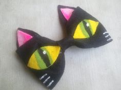 Cat Eyes Bow from Monique's Fun Accessories