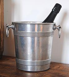 Ancien seau à champagne en métal argenté