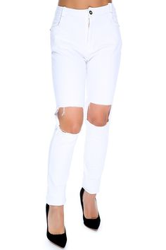 These sexy jeans are perfect for a casual day out when worn with a cute top! Featuring; denim, distressed, high waist. 100% Cotton