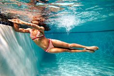 Side Burpee your way to flat abs and toned legs in a fun pool #workout