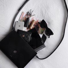 Tuesday bag spill @elkaccessories @lenovoanz #flatlay #flatlayapp #flatlays www.theflatlay.com