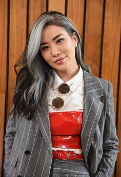 New York Fashion Week Pictures and Photos - Going Gray Hair 2020 Grey Hair Streak, Grey Hair Don't Care, Brown Ombre Hair, Ombre Hair Color, Grey Ombre, Colored Hair Streaks, Blonde Streaks, Hair Care, Grey Hair Inspiration