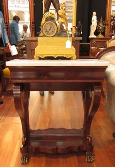 AT1116C Console - http://pageantiques.com.au/