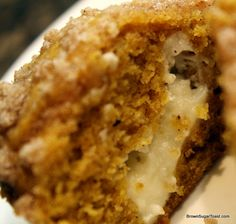 Pumpkin Cream Cheese Muffins. Creamy center + Streusel topping = deliciousness!! tastes like fall!!