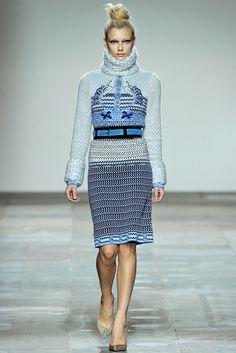 Mary Katrantzou Fall 2012 Ready-to-Wear Fashion Show - Farah Holt