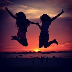 best friend pictures ideas | Best Friend Picture Ideas Tumblr Best friend beach pic ideas