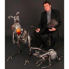 Autor das esculturas e suas obras Ganguru e Coelho esculturas