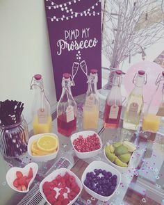 Pimp my Prosecco fun and cool wedding idea for summer wedding #wedding #weddingideas #summerwedding #weddingdrinks Brunch Wedding, Diy Wedding, Garden Wedding, Prosecco Bar, Pimp Prosecco, 40th Birthday Parties, Birthday Ideas, Bachelorette Party Games, Wedding Locations