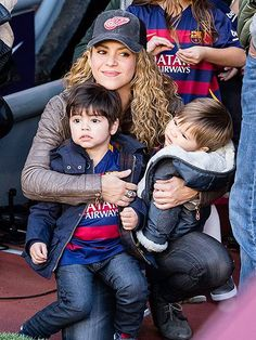 Star Tracks: Monday, November 30, 2015 | MAMA'S BOYS | 1, 2, 3 ... aww! Shakira holds her little guys Milan, 2½, and Sasha, 9 months, close on Sunday during a football match between their dad Gerard Piqué's team FC Barcelona and Real Sociedad. Dad's team won, 4-0.: