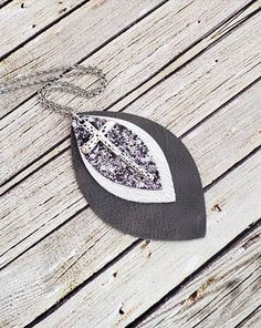 Make your own Leather Bow using your Cricut Explore Mom Jewelry, Cross Jewelry, Jewelry Gifts, Jewelry Necklaces, Handmade Jewelry, Bullet Jewelry, Geek Jewelry, Statement Necklaces, Gothic Jewelry