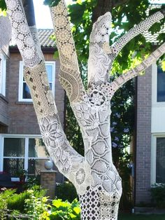 Stunning lace. I love the Idea of this as temporary art