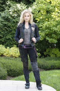 Clarke Griffin || The 100 cast behind the scenes || Eliza Jane Taylor