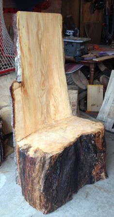 Tree Log Chairs - Fantastic For Cottages,Cabins, Resort Retreats! Image 4 of these chairs looking over the lake or at the front entrance of your Resort/Retreat. Tree Stump Furniture, Rustic Log Furniture, Tree Stump Table, Reclaimed Wood Furniture, Tree Stumps, Wood Stumps, Wood Logs, Log Chairs, Log Benches
