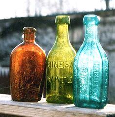 Antique Colored Bottles - Finding colored antique bottles are quite a find. Colored Glass Bottles, Antique Glass Bottles, Vintage Bottles, Bottles And Jars, Perfume Bottles, Coloured Glass, Vintage Perfume, Bjd, Old Antiques
