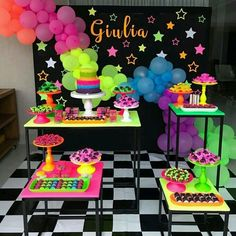 Festa neon Neon party Recommended For You Neon Birthday, 13th Birthday Parties, Birthday Party For Teens, 16th Birthday, Birthday Party Themes, Neon Party Themes, Birthday Ideas, Glow Party Decorations, 40th Birthday Decorations